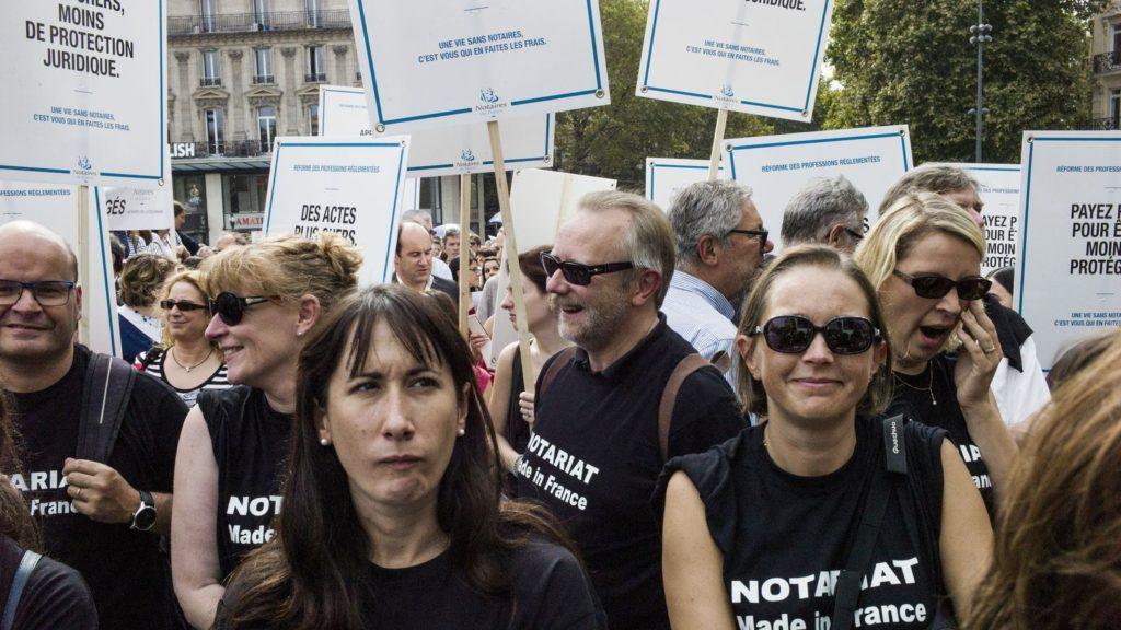 molodye-notariusy-prodolzhayut-protestovat-protiv-zakona-markona